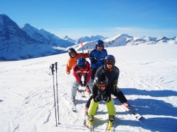 Familiekeisen in die Alpen - pauschal Skireisen für Familien inkl. Kinderbetreuung, Skipass und Skikurs
