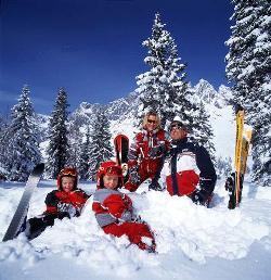 Familien Skireisen - günstige Familienreisen nach Österreich, Frankreich, Schweiz