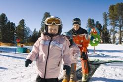 Günstige Familieskireisen in die Alpen