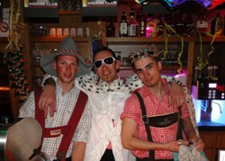 Party an der Hausbar in der Gayweek - Snowhappening