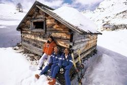 Skihütten und Gruppenhäuser in Österreich,Frankreich,Schweiz - günstige Gruppenskireisen in die Alpen