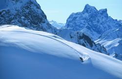Snowboardreisen für Studenten - günstige Gruppenreisen nach Österreich, Frankreich, Schweiz