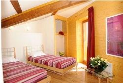 Schalfzimmerbeispiel mit Doppelbett oder 2 Einzelbetten