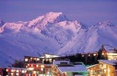 Alpenglühen im französischen Bergmassiv - Orte Les Arcs