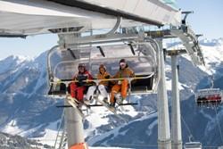 Saalbach Hinterglemm Bergbahn Skigebiet für Winterreisen