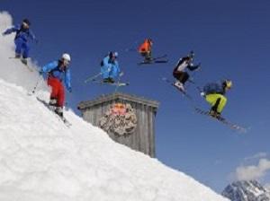 Gruppenskireise am Arlberg