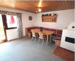 Wohnbereich in der Ferienwohnung in St. Anton - Beispiel Essecke
