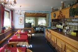 4 Gang Menü und Frühstücksbuffet - traditionelle Speisesäle