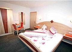 Doppelzimmer in den Ferienwohnungen in Kappl