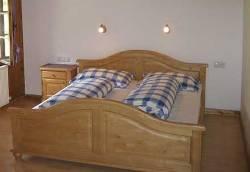 Pensionszimmer im Stubaital mit Wohnraum und Schlafzimmer - Beispiel