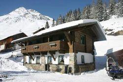 Ferienhaus in Sölden von 10 - 14 Personen direkt an der Piste