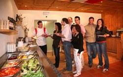Essen und Trinken - Gay Snowhappening im Sportclub Ötztal-Sölden