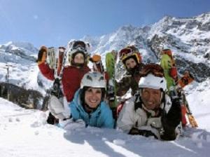 Schneespaß im Skigebiet Saas Fee
