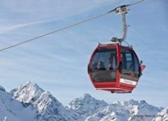 Skigondel im Skigebiet Scuol