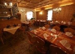 Essen und Trinken im Restaurant in St. Moritz